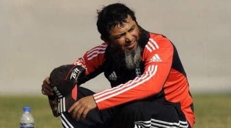 Mushtaq Ahmed, Mushtaq Ahmed and Chahal, Mushtaq Ahmed advises Yuvendra Chahal, CHahal's bowling
