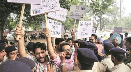 Udta Punjab row: NSUI members slam SAD, censors; clash with police in Punjab