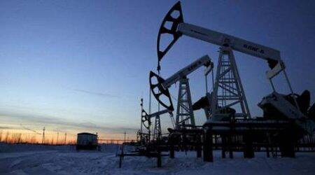 Oil falls again on stronger dollar; high refinery demand lends support