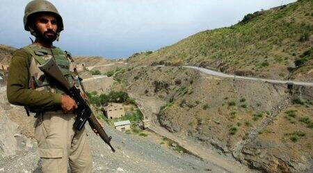 Pakistani army: Militants attack patrol, killing 2 soldiers