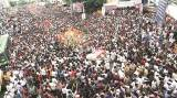 Puneites out on streets as palkhis roll in