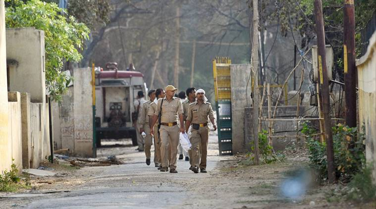 UP police attack, Saharanpur attack, Police injured UP, UP robbery attack, robbers attack police, robbers attack cops, India news, national news, robbers injure cops