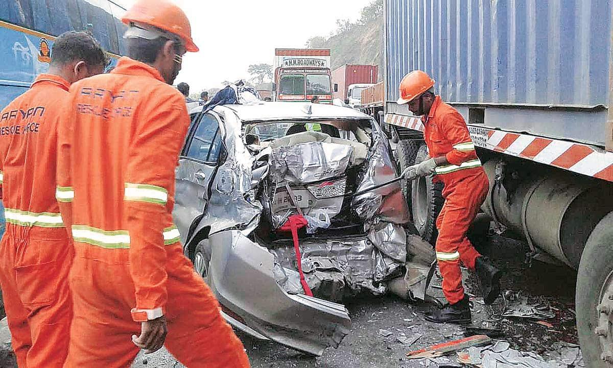 pune, pune express way, pune mumbai expressway, pune highway, pune expressway accident, mumbai pune expressway accident, pune news, latest news