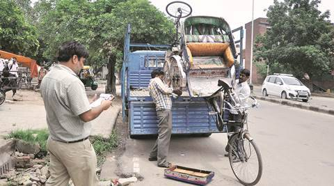 Chandigarh, Chandigarh Municipal Corporation, Chandigarh rickshaw pullers, Chandigarh rerhi pullers, Chandigarh rickshaw seized, Chandigarh Municipal corporation order, chandigarh news