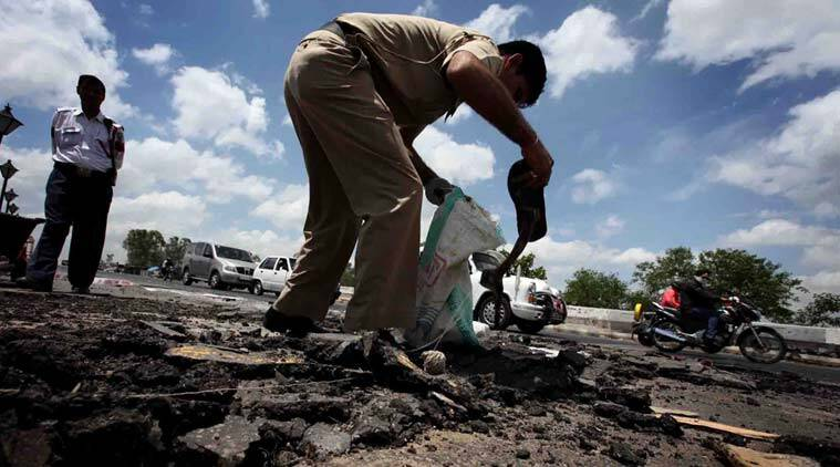 mumbai, mumbai road repair, mumbai road repair scam, mumbai road construction scam, mumbai pwd contractors, mumbai road repair scam fir, mumbai news, maharashtra news, india news, latest news