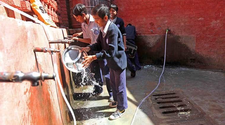 Surat, Surat drinking water problem, Surat schools, Surat school no water problem, Surat school timings, Gujarat water woes, Gujarat drought, Gujarat water problems, Gujarat news, India news, latest news, News