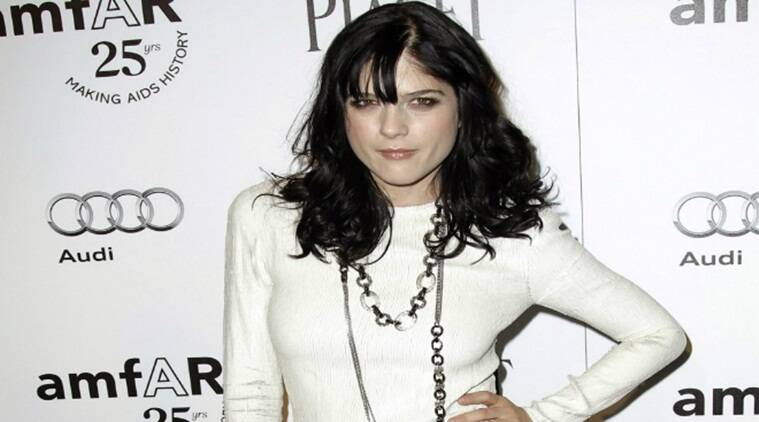 Selma blair, selma blair plane incident, selma blair shouting, selma blair on plane, selma blair apology, entertainment news