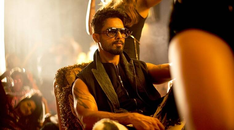 Shahid Kapoor loves to indulge in samosas and bhajiyas during monsoons.