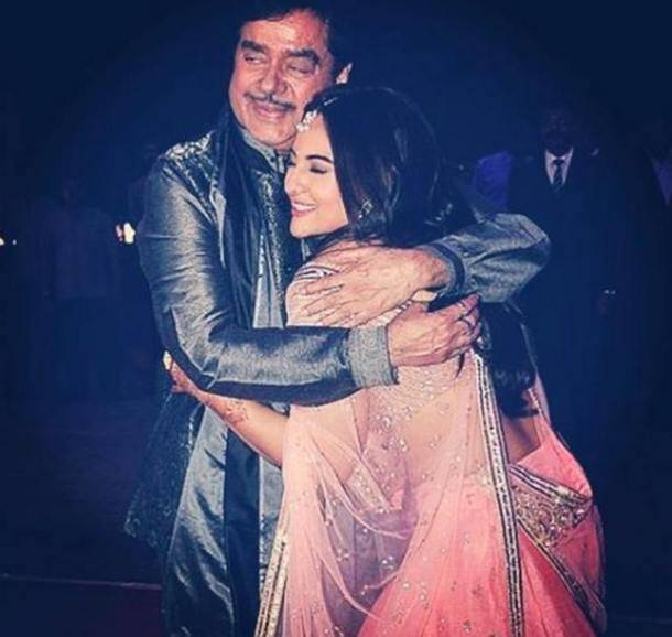 Happy Father's Day, FATHER'S DAY, father's Day PICS,ENTERTAINMENT PHOTOS, sonakshi sinha