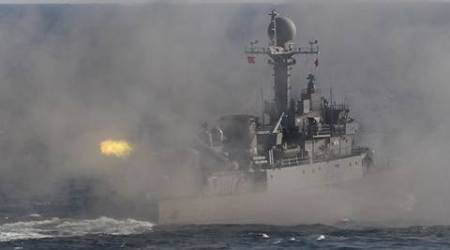 South Korea sends military vessels to stop Chinese fishingboats