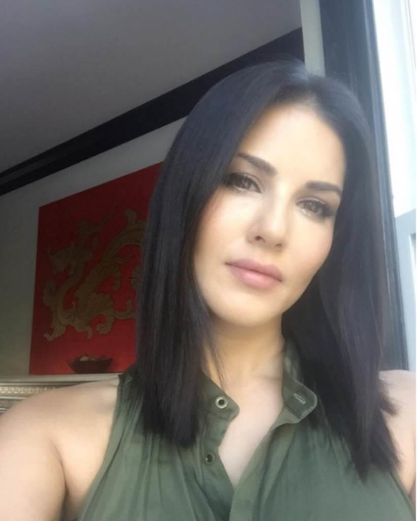 Sunny Leone Candid Photos Of The Most-Searched Actress  Entertainment Gallery News -8495