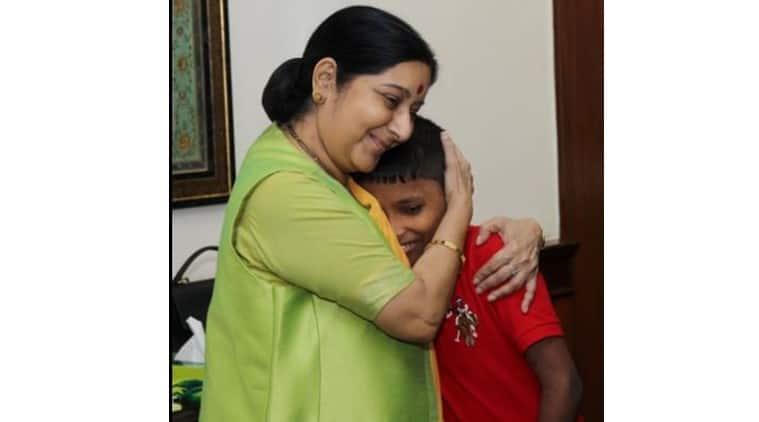 Sushma Swaraj, Sonu, Kidnapped boy return india, Indian High Commission Dhaka, Indian High Commission kidnapped Boy, Kidnapped boy reunited with family, Indian family reunited after 6 years, Jamal Ibn Musa,  boy reunited with family, , Sonu reunites with family, kidnapped Delhi boy reunites with family, India News, Latest news