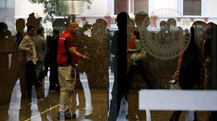 venezuela, venezuela central bank, venezuela central bank shooting, central bank shooting venezuela, venezuela central bank gunman, venezuela central bank shootout, venezuela shootout, venezuela bank shooting, armed man in venezuela bank, venezuela bank armed man, venezuela news, world news
