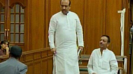 Watch: In Delhi Assembly, BJP MLA Vijendra Gupta takes astand