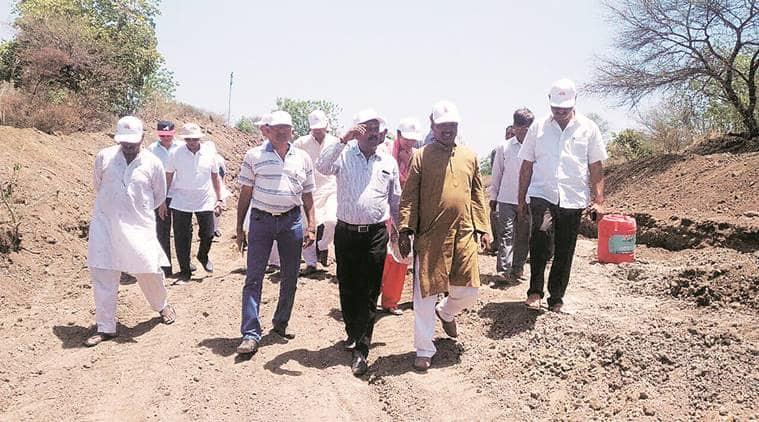 mumbai, maharashtra drought, drought, waterless in marathwada, water crisis in maharashtra, mumbai melting pot, jain community help, beed, indian express news, drought news