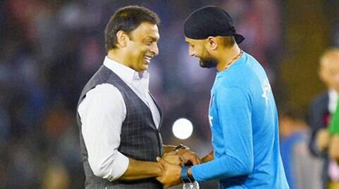 Harbhajan Singh and Yuvraj Singh are my younger brothers,  no question of beating them up: Shoaib Akhtar