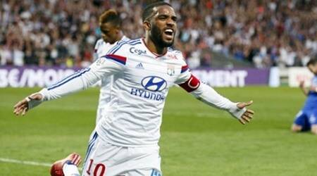 Lyon refuses bid of 35m euro bid for Lacazette