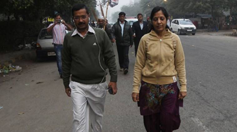 Kejriwal wife, Arvind Kejriwal wife, Kejriwal wife VRS, Kejriwal Arvind Kejriwal, Modi, Narendra Modi, Sunita Kejriwal, Sunita Kejriwal VRS, Kejriwal wife retires, Sunita kejriwal retires, India news, national news, latest news, news, Income Tax department Sunita, Kejriwal, PM Modi