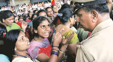 Tamil Nadu garment industry, Tamil Nadu unit garment unit owners protest, Madras High Court, minimum wages, garment workers, garment exporters, process industry, textile and clothing industry, India news