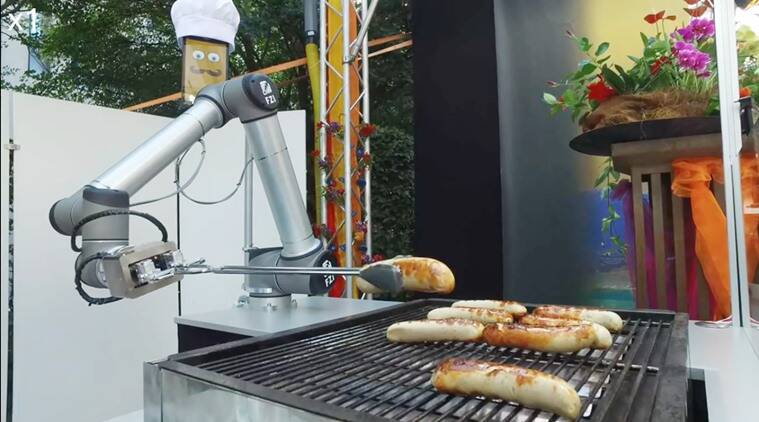Will we soon have chef robots? Here\'s one that makes your favourite ...