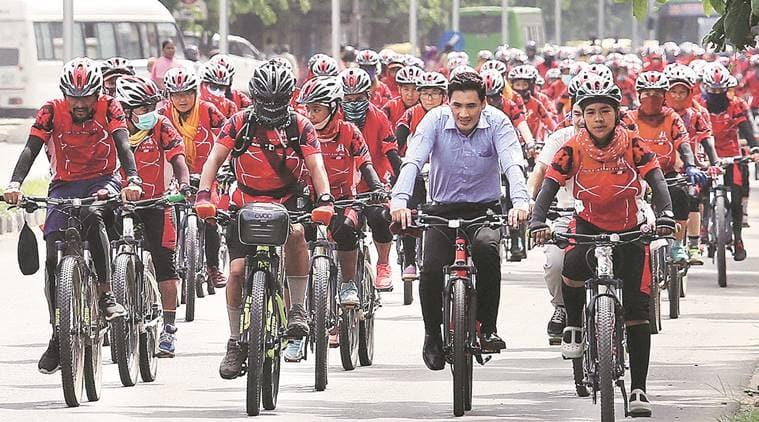 cyclists 759