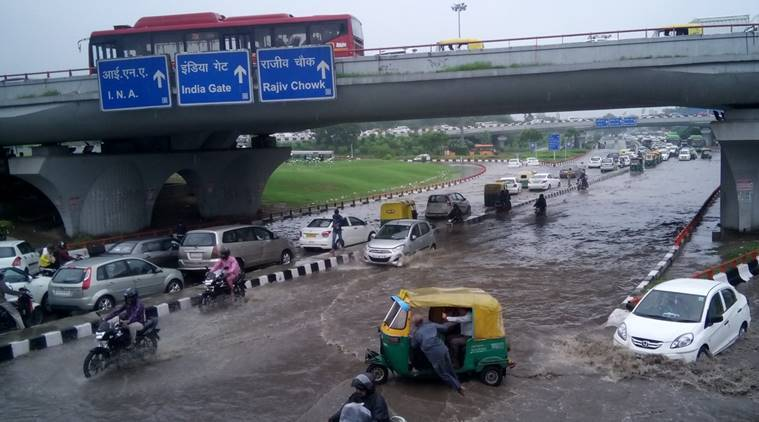 Delhi: Heavy rains throw traffic out of gear in city | The ...