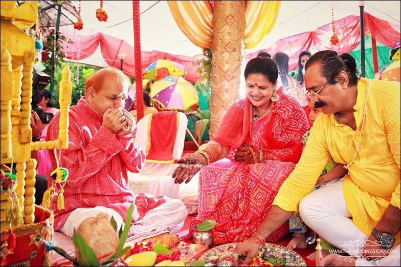 Divyanka Tripathi, Divyanka Tripathi wedding, Vivek Dahiya, Vivek Dahiya wedding, Yeh Hai Mohabbatein Ishita, ishita wedding, Yeh Hai Mohabbatein, Divyanka Tripathi haldi, Divyanka Tripathi pics, Divyanka Tripathi wedding pics, Divyanka Tripathi mehndi, divyanka mom, divyanka parents