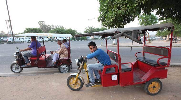 E Rickshaw at Housing Board Light Point in Panchkula on Monday, June 01 2015. Express photo by Jasbir Malhi