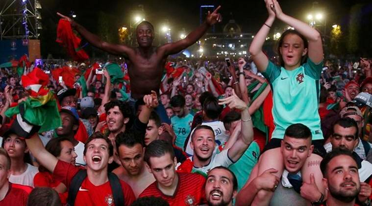 Portugal vs France, Euro 2016 final, UEFA Euro final, Portugal fans celebrate, Portugal fans, Portugal win celebrations, France vs Portugal, POR vs FRA, FRA vs POR, por vs fra, fra vs por, Cristiano Ronaldo, portugal, france, Euro 2016 score, Euro 2016 goals, Euro, football, latest news, Sports News, sports