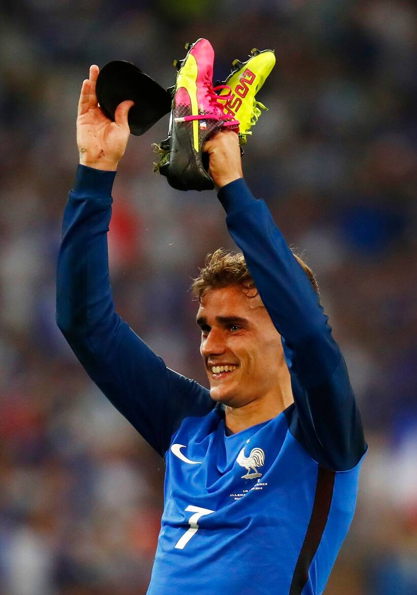 Antoine Griezmann double helps France sink Germany to ...