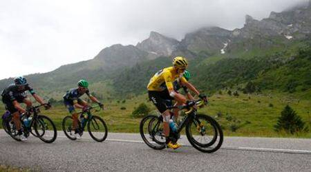 Third title looms for Chris Froome