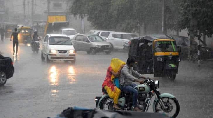 Gurgaon, gurugram, gurugram traffic jam, gurgaon traffic, traffic jam, gurgaon rains, water logging, traffic jam in gurgaon, Gurgaon traffic, gurgaon traffic status, gurugram water logging, gurgaon traffic status, gurgaon jam, gurgaon road jam, Gugaon, New Delhi, Traffic, Delhi-Gurgaon Expressway Traffic, traffic news, Gurgaon news, Haryan News, latest news, world news, traffic in Gurgaon, gurugram news, latest new, India news, traffic news