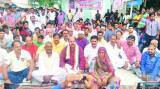 Narsingh Yadav's parents, relatives hold dharna in Varanasi
