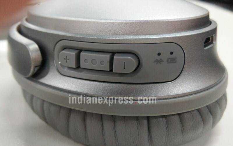 Bose has also got the button placement extremely right which offers great tactile feedback