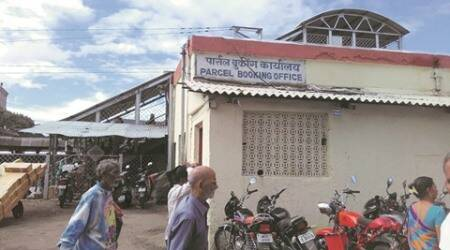 Extortion at Pune Railways' parcel office: Touts, RPF personnel have a free run