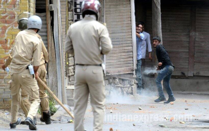 Protesters try to storm airbase in occupied Kashmir