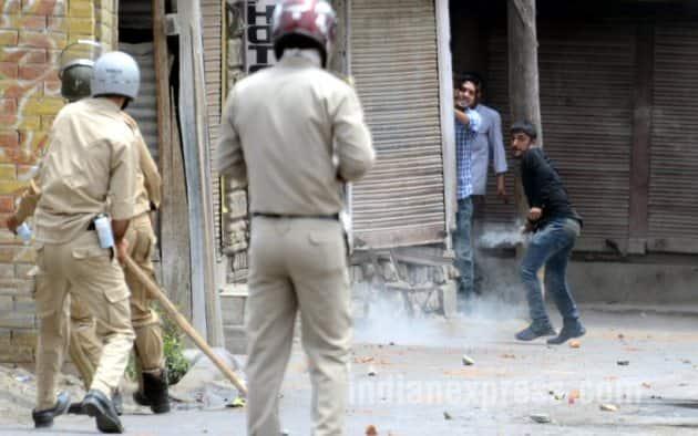 kashmir clashes, kashmir, south kashmir, pulwama, pulwama clashes, srinagar, kashmir news, india news, burhan, kashmir militant, burhan death