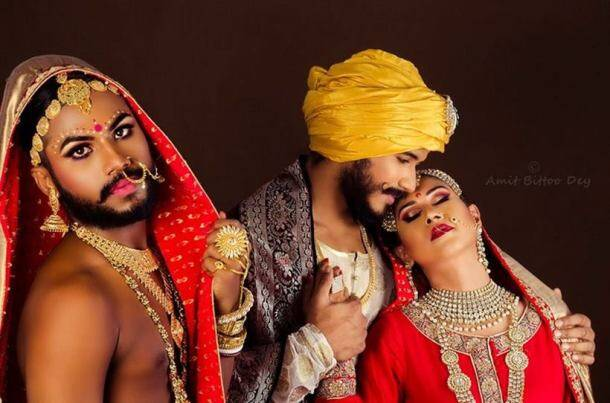 Powerful pictures depict the dual lives of the Indian LGBT community