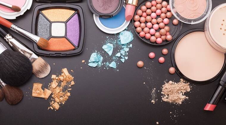 There are times when we all struggle with our make-up routine. For such times, follow these simple hacks. (Source: Thinkstock Images)