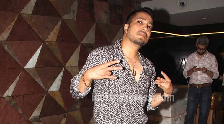 mika singh, mika singh molestation case, mika singh case, andheri fashion designer, extortion case, mika singh extortion case, sexual assault case, mika singh sexual assault case, fir, mika singh fir, mumbai, entertainment news, indian express entertainment