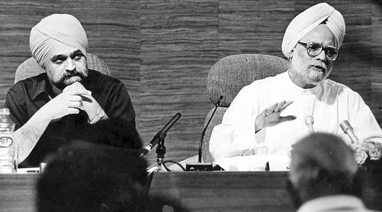 Montek Singh Ahluwalia, indian economy, 25 years india, 25 years of indian economy, pv narasimha rao, opening of indian economy, 1991 economic reforms, 1991 economic crisis, manmohan singh indian economy, pv narasimha rao, rbi, indian rupee, indian rupee against dollar, indian currency rate, indian currency, rupee rate, rbi, indian rupee value, india economic crisis, global credit rating, rupee value, foreign currency, rupee devaluation, business news, currency market, business market, stock exchange, latest news
