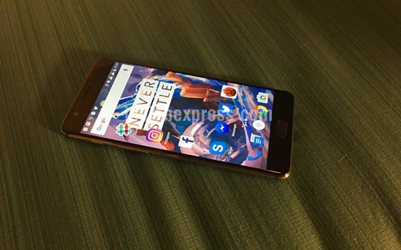 OxygenOS 3.2.2 update for OnePlus 3 updates 4K video recording codec and supports latest security patches