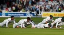 Pakistan England, England Pakistan, Pakistan vs England, England vs Pakistan, Pakistan cricket team photos, Pakistan cricket team push up photos, Pakistan push up photos Lord's, Pakistan team pictures, Pak vs Eng, Yasir Shah, Yasir Shah Pakistan, Pakistan Yasir Shah, Cricket
