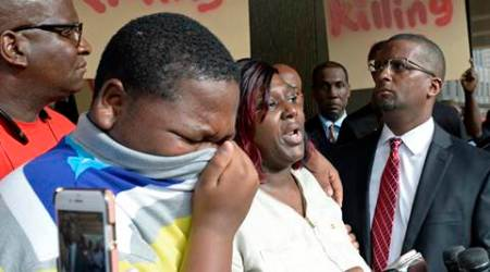 alton sterling, alton sterling shot, alton sterling case, black lives matter, police shootings in us, charlotte shooting, black shooting in us, racism in us, world news, indian express,