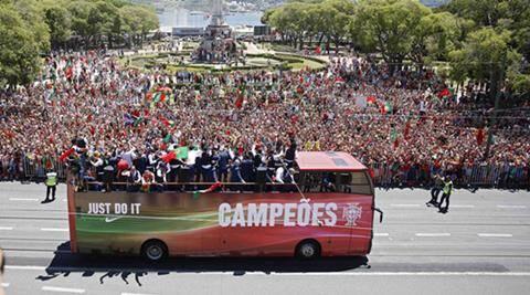 Euro 2016 champions Portugal fly home to hero's welcome,  watch video