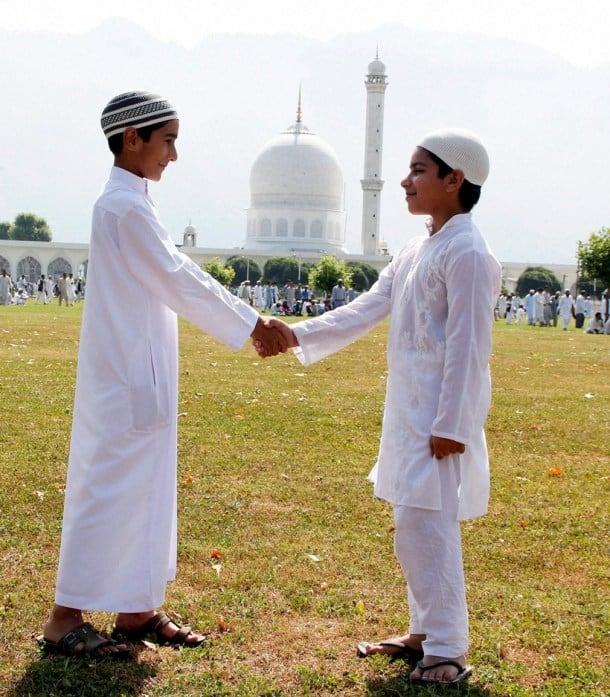 Eid Mubarak: Indian Muslims start Eid al-Fitr celebrations