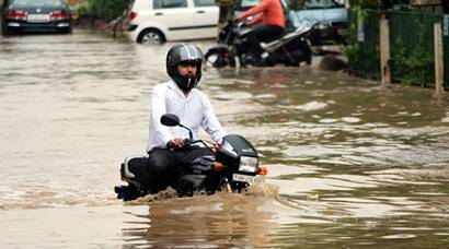 Rains bring Gurgaon to grinding halt