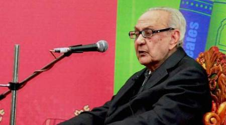 Jaipur: File Photo of Contemporary artist SH Raza  at the Jaipur Literature Festival  in Jaipur.The legendary artist passed away after a prolonged illness in New Delhi on Saturday PTI Photo(PTI7_23_2016_000221B)
