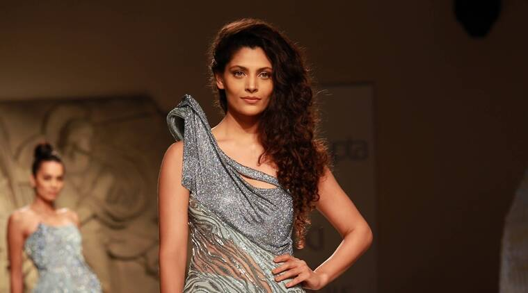 Saiyami Kher, who is making her Bollywood debut with Rakeysh Omprakash Mehra's Mirzya, says she finds it mind-blowing to see Alia Bhatt's range as an actor.