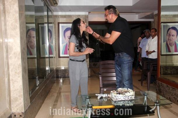 Sanjay Dutt, Sanjay Dutt birthday, Sanjay Dutt birthday bash, Sanjay Dutt turns 57, Sanjay Dutt 57th birthday, Sanjay Dutt birthday gift, Sanjay Dutt twins, Sanjay Dutt kids, Sanjay Dutt wife, Sanjay Dutt maanyata, Entertainment